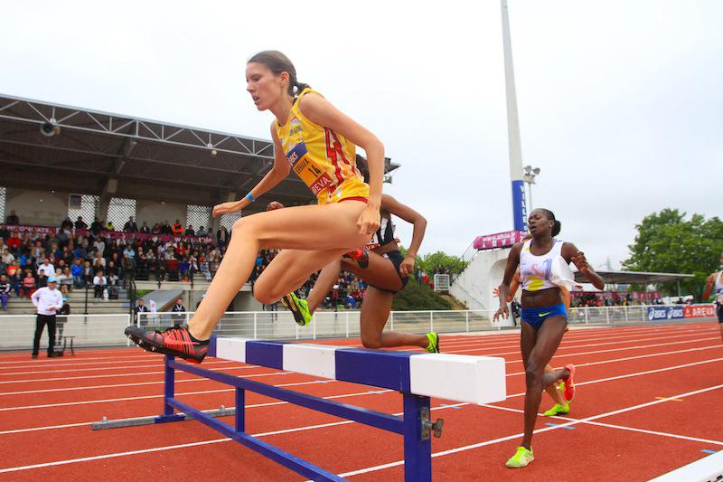 Claire Perraux, ici à Reims où elle avait conquis sont troisième titre national sur le steeple, sera la favorite du 1 500 m (Photo Yves-Marie Quemener)
