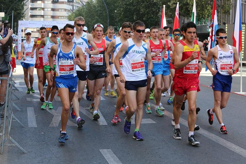 Départ du 10 km marche junior (Photo André Casale)