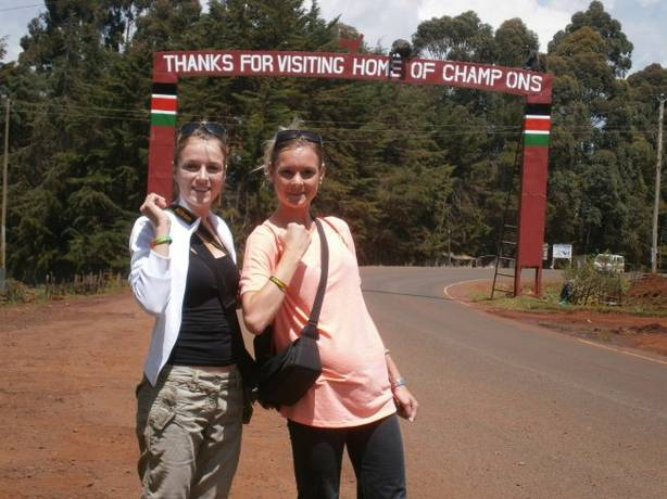 Nathalie Favreau (à droite) au Kenya
