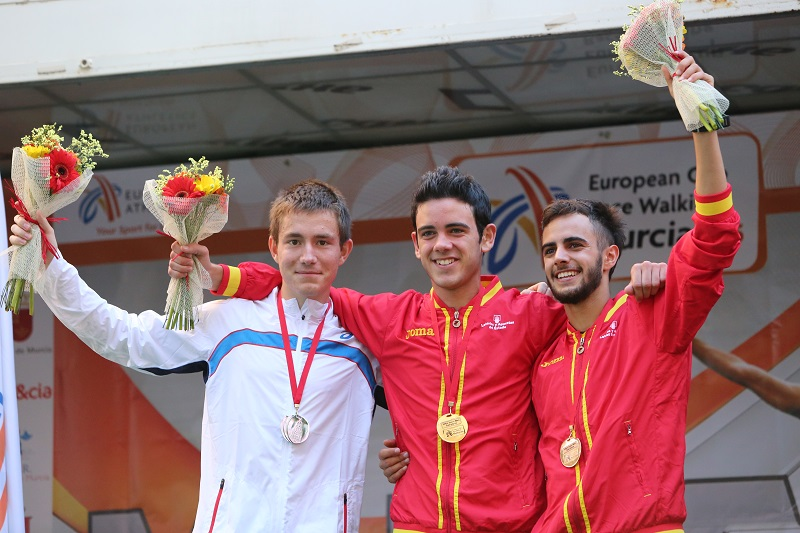 Le podium (Photo André Casale)