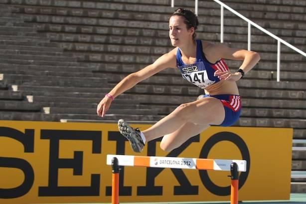 L'éclectique Valentine Huzé, ici aux Mondiaux juniors en 2012 sur 400 m haies