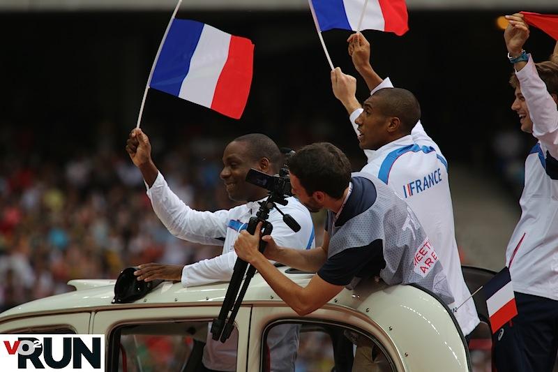 Remise de la médaille de bronze olympique...2012 pour les relayeurs du 4x100 m français (Photo Jean-Marc Mouchet)