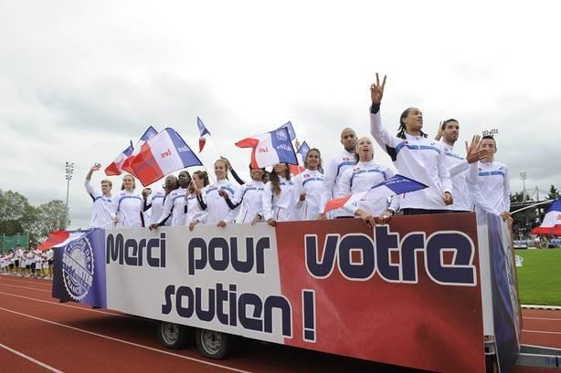 Au Décanation l'an passé à Angers, l'équipe de France avait surfé sur le succès des Europe de Zurich. Cette année, nombre d'athlètes médaillés en Suisse ont déclaré forfait en raison d'une blessure - Photo FFA