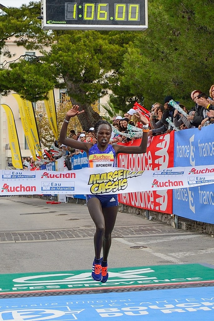 Peres Jepchichir, victorieuse de Marseille-Cassis 2015 (Photo organisation Michel Fisquet)