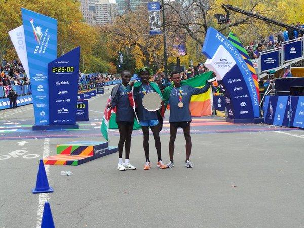 Le podium masculin (Photo twitter marathon de New York)