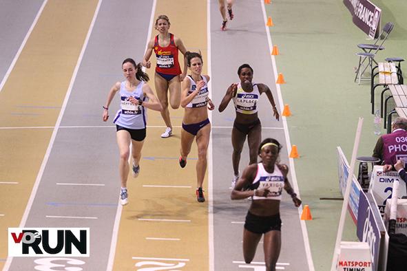 Lore Hoffman, à gauche (maillot bleu) a décroché le titre national Elite pour 16 petits centièmes